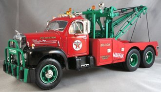 "1:25 1960 Mack B-61 Wrecker ""Texaco"""