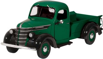 1:25 1938 International D-2 Pickup (Green/Black)