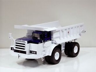 1:25 International Harvester Model 350 Pay Hauler (White)