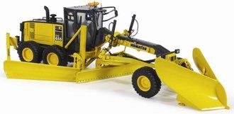 1:50 Komatsu GD655-5 Grader w/Wing & 'V' Snow Plow (Yellow)