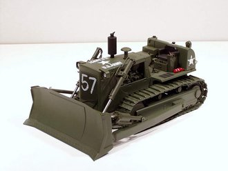 "1:25 International TD-25 Crawler ""US Army"" (Green)"