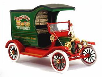 "1:24 1913 Ford Model T 2002 Christmas Truck ""Toy Train Shop"""