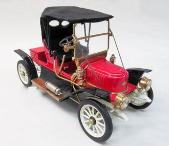 1:16 1911 Stanley Steamer Convertible (Red)