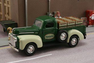 Remington 1942 Ford Pickup w/Crates