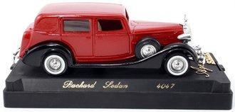 1937 Packard Sedan (Red/Black)