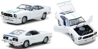 1:18 1978 Ford Mustang II King Cobra (White/Blue)