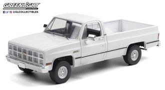 1:18 1982 GMC K-2500 Sierra Grande Wideside - White