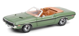 1:18 1970 Dodge Challenger R/T Convertible (F8 Green Metallic w/Tan Interior & Deluxe Wheel Covers)