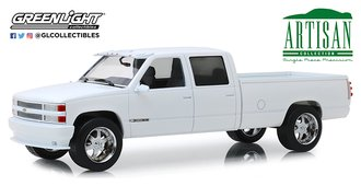 1:18 Artisan Collection - 1997 Chevrolet 3500 Crew Cab Silverado Pickup (Olympic White)