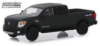 1:64 Black Bandit Series 21 - 2018 Nissan Titan XD Pro-4X