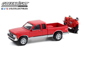 """1:64 1991 GMC Sonoma Extended Cab w/2021 Indian Scout on Hitch Carrier """"Years of Indian Chiefs"""""""