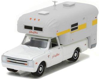 1:64 1968 Chevy C20 Cheyenne w/Silver Streak Slide-In Camper