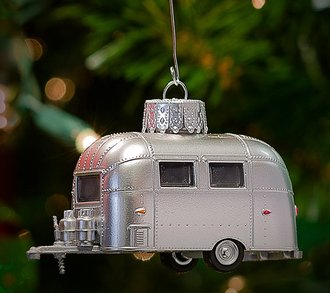1:64 Holiday Ornament Airstream 16' Bambi Trailer