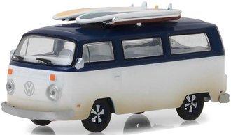 1:64 1973 Volkswagen Type 2 (T2B) Van w/Surf Boards