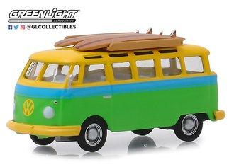 1:64 Club V-Dub Series 9 - 1964 Volkswagen Samba Bus w/Surfboard