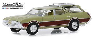 1:64 Estate Wagons Series 4 - 1971 Oldsmobile Vista Cruiser (Palm Green Metallic w/Woodgrain)
