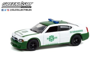 """1:64 2006 Dodge Charger Police """"Carabineros de Chile"""" (White/Green)"""