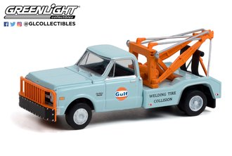 1:64 1969 Chevrolet C-30 Dually Wrecker - Gulf Oil 'Welding Tire Collision' (Hobby Exclusive)