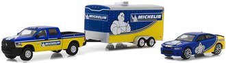 1:64 2017 RAM 2500 & 2017 Dodge Charger Hellcat Michelin Tires with Enclosed Car Hauler