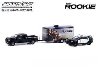1:64 The Rookie - 2020 Nissan Titan w/2013 Ford Police Interceptor Utility (LAPD) in Car Hauler