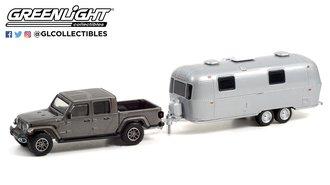 1:64 2020 Jeep Gladiator (Granite Crystal Metallic) w/Airstream Double-Axle Land Yacht Safari