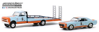 "1:64 H.D. Trucks Series 18 - 1967 Chevy C-30 Ramp Truck ""Gulf Oil"" w/1967 Chevy Camaro ""Gulf Oil #6"""