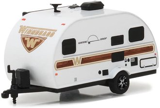 1:64 Hitched Homes Series 3 - 2017 Winnebago Winnie Drop (White w/Woody Graphics)