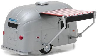 1:64 Hitched Homes Series 4 - Airstream 16' Bambi w/Red & White Awning
