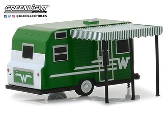1:64 Hitched Homes Series 6 - 1965 Winnebago Travel Trailer 216 - White/Green