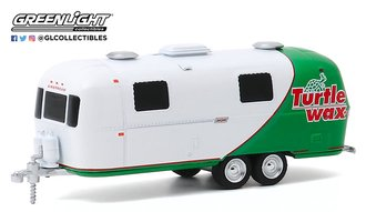"1:64 Hitched Homes Series 8 - 1971 Airstream Double-Axle Land Yacht Safari ""Turtle Wax Wrap"""
