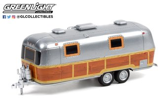 1:64 Hitched Homes Series 11 - 1972 Airstream Double-Axle Land Yacht Safari Custom Woody