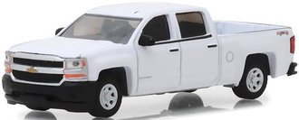 1:64 Blue Collar Collection Series 4 - 2018 Chevy Silverado W/T Pickup