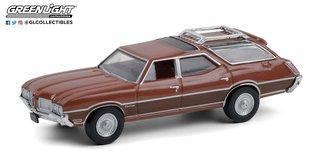 1:64 1972 Oldsmobile Vista Cruiser (Saddle Bronze w/Woodgrain)