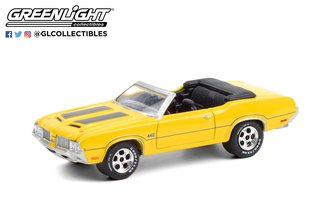 1:64 Barrett-Jackson 6 - 1970 Oldsmobile 442 Convertible (Sebring Yellow w/Black Stripes) (Lot #743)