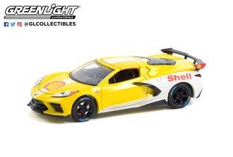 1:64 Running on Empty Series 13 - 2021 Chevrolet Corvette C8 Stingray Coupe - Shell Oil