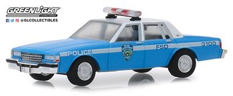 """1:64 Hot Pursuit Series 32 - 1990 Chevrolet Caprice """"New York City Police Dept (NYPD)"""""""