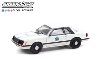 1:64 Hot Pursuit Series 39 - 1982 Ford Mustang SSP - Arizona Department of Public Safety