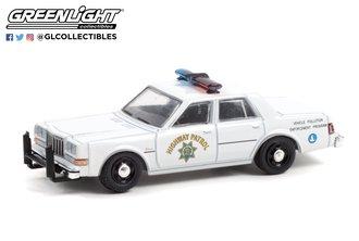 1:64 Hot Pursuit - 1988 Dodge Diplomat - California Highway Patrol - Vehicle Pollution Enforcement