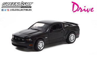 1:64 Hollywood Series 34 - Drive (2011) - 2011 Ford Mustang GT 5.0