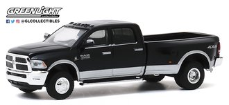 1:64 Dually Drivers Series 4 - 2018 RAM 3500 Dually - Harvest Edition (Brilliant Black/Silver)