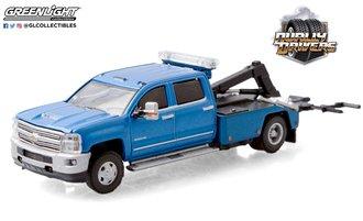 1:64 Dually Drivers Series 5 - 2018 Chevrolet Silverado 3500 Dually Wrecker (Blue)