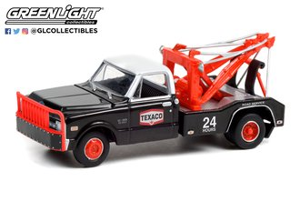 1:64 Dually Drivers Series 7 - 1970 Chevrolet C-30 Dually Wrecker - Texaco 24 Hour Road Service