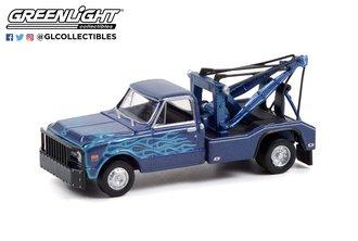 1:64 Dually Drivers Series 8 - 1969 Chevrolet C-30 Dually Wrecker - Blue/Black w/Flames