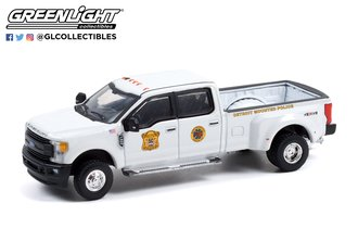1:64 Dually Drivers Series 8 - 2017 Ford F-350 Dually - Detroit, Michigan Mounted Police
