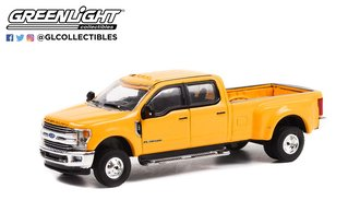 1:64 Dually Drivers Series 9 - 2019 Ford F-350 Dually (School Bus Yellow)