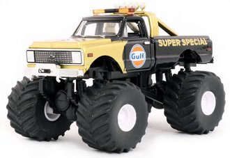 "1:64 Kings of Crunch Series 1 - 1971 Chevy K-10 Monster Truck ""Gulf Oil Super Special"""
