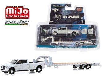 1:64 Hitch & Tow - Dodge Ram 3500 Dually w/Gooseneck Trailer (White)