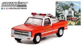 "1:64 Norman Rockwell Series 4 - 1981 Chevy K20 Scottsdale w/Fire Equipment ""Stockbridge Fire Dept."""