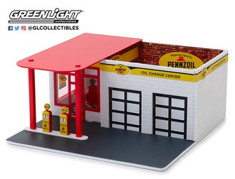 "1:64 Mechanic's Corner Series 5 - Vintage Gas Station ""Pennzoil 10 Minute Oil Change Center"""