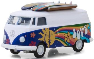 1:64 The Hobby Shop Series 4 - 1971 Volkswagen Type 2 Panel Van w/Surfboards